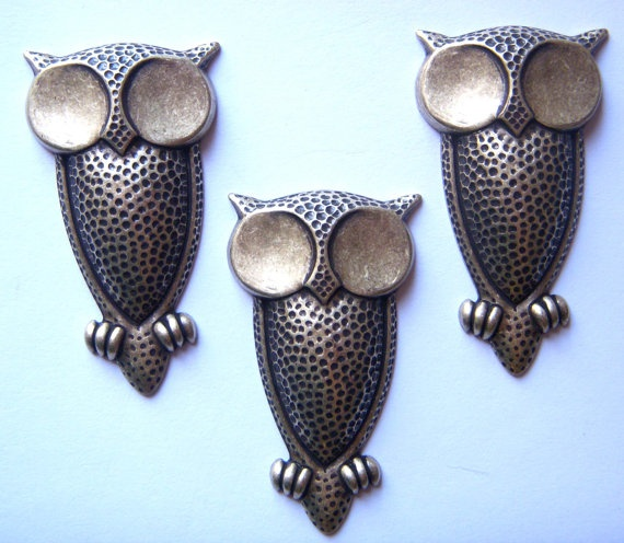 Large Big Eyed Owl Stampings Brass Ox Dark by bsueboutiquesupplies, $9.95 Check out the tut