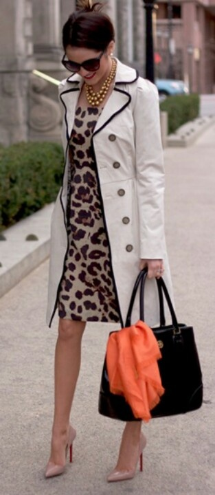 I like the mix of patterns, colors in this look. But it all fits together.