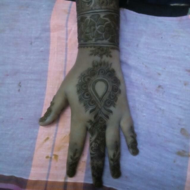 Like mehndi