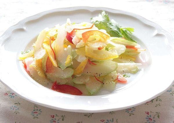セロリとパプリカのサラダ 画像
