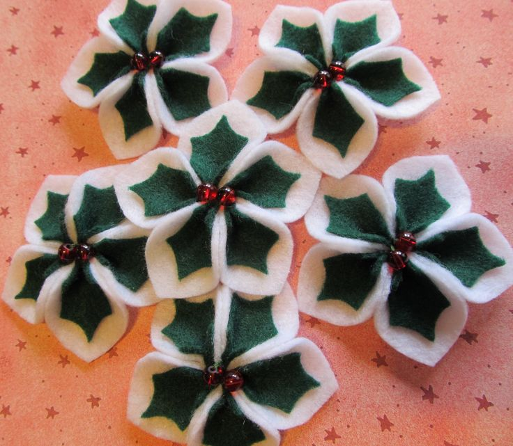 Felt Appliques - Felt Winter Flowers Felt Holly Blooms For Holiday Hair Clips and Winter Crafts via Etsy.