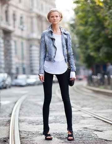 Fashion Weeks, Jeans Jackets, Kasia Struss Street Style, Black White Jeans, Bomber Jackets, Jean Jackets, Denim Jackets, Leather Jackets, Closets Staples