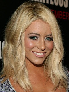 Aubrey O'Day Danity Kane, beautiful hair, beautiful makeup .