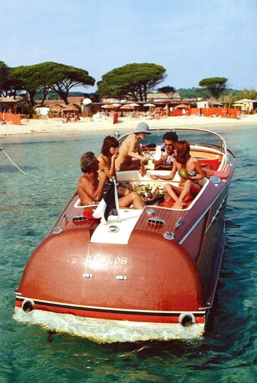 Retro speed boat