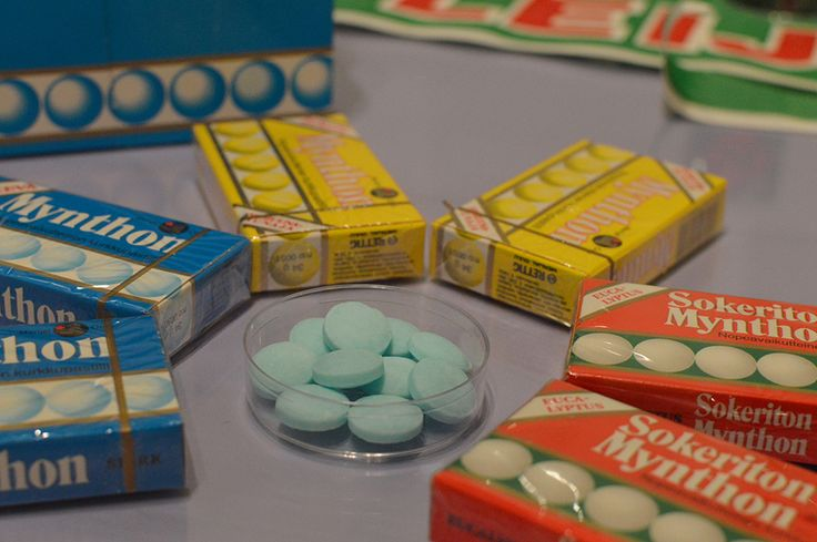 Merijal halusi tuoda markkinoille väkevän kurkkupastillin kilpailijaksi ulkomaiselle Vicks-pastillille.  Uuteen pastilliin haettiin vahvaa makua, joka tuntuu kylmältä ja voimakkaalta. Mynthonin kehittäminen kesti vain pari kuukautta, ja pastillit ilmestyivät kauppoihin syksyllä 1976. Luuppi, Oulu (Finland)