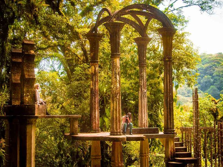 Qué hacer en Xilitla, te contamos de hoteles en el pueblo mágico, tours, pozas de agua cristalina para nadar y sobre el jardín surrealista de Edward James