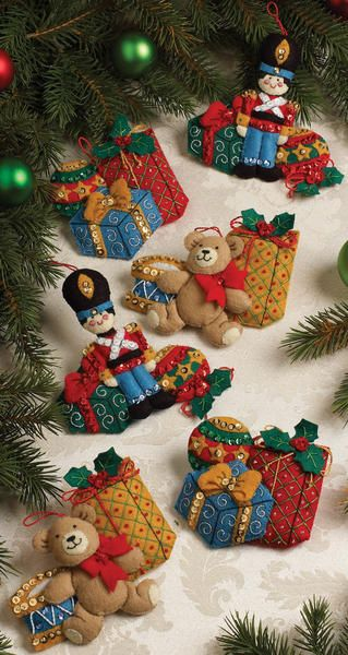 "Bucilla Under The Tree Ornaments Felt Applique Kit - 4-1/2"" X 5"", Set Of 6 $20.65"