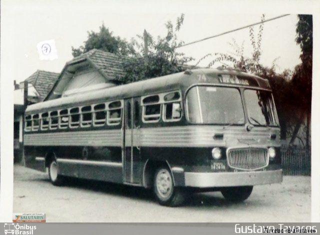 Ônibus da empresa Viação Salutaris e Turismo, carro 74, carroceria Carbrasa 333, chassi Volvo B638. Foto na cidade de Três Rios-RJ por Gustavo Tavares, publicada em 26/07/2014 22:38:19.