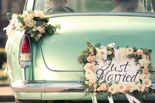 Come Organizzare Un Matrimonio Low Cost Non Sprecare Auto Per Matrimonio Decorazioni Nozze All Aperto Pianificazione Matrimoni