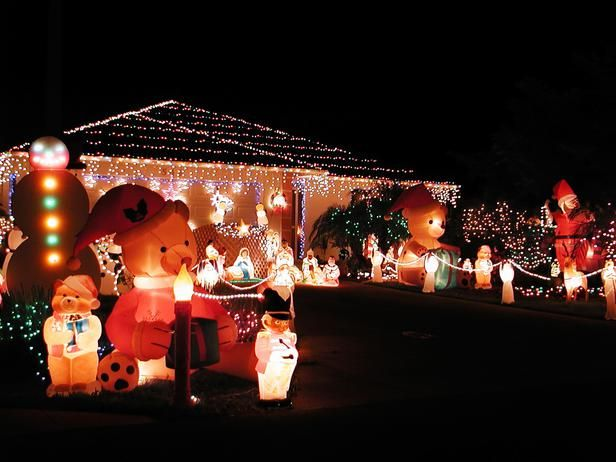 15 Colorful and Outrageously-Themed Outdoor Christmas Lights : Home Improvement : DIY Network