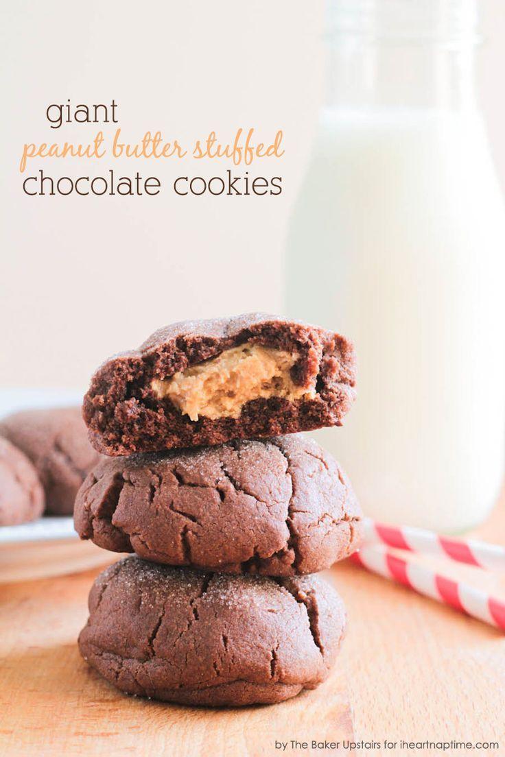 Peanut Butter Stuffed Chocolate Cookies on iheartnaptime.com ...yummy! #chocolate #recipes