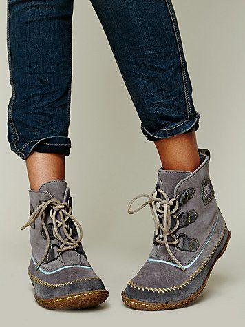 Joplin Stitch Boot (Sorel)