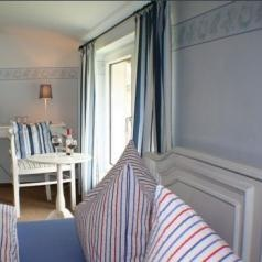 Pension am Hochufer - this is a real little secret tip on the island of Rügen. Affordable place with Rosamunde Pilcher charme...