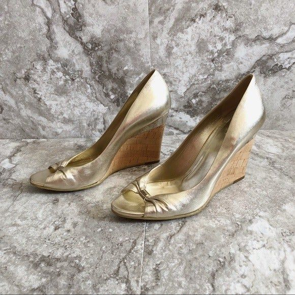 Authentic Gucci Gold Metallic Open-Toe