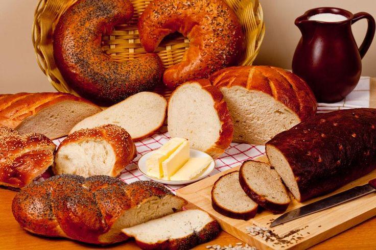 ラトビアは、パンの種類はすさまじい。真っ黒な黒パンから、うっすらグレイがかったライ麦混合パン、ツォップのようなふわふわの白いパンも。リガの中央市場に行ったら、ぜひパン売り場もたちよってみて下さい(*^_^*)