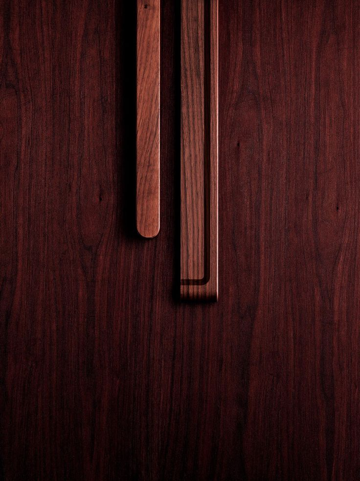 This wood is known for its elegant woodgrain lines and the soothing color of its light brown base tones.  The material itself is both strong and resilient, making it resistant to impact and perfect for forming. And with continued use and the passage of time, the flavor and depth of the wood are only further enhanced.