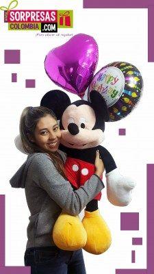 peluche mickey mouse Sorprende con este especial peluche gigante que enamorara una vez mas a esa persona especial. Visita nuestra tienda online www.sorpresascolombia,com o comunicate con nosotros 3003204727 - 3004198
