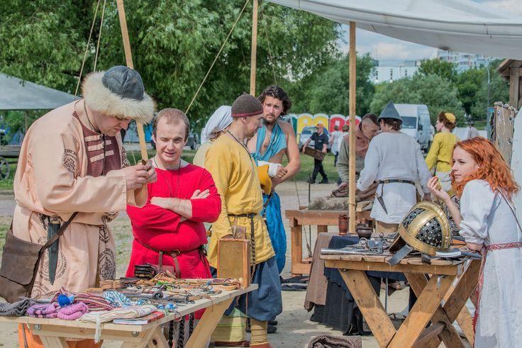 Торжище на фестивале Битва тысяча мечей