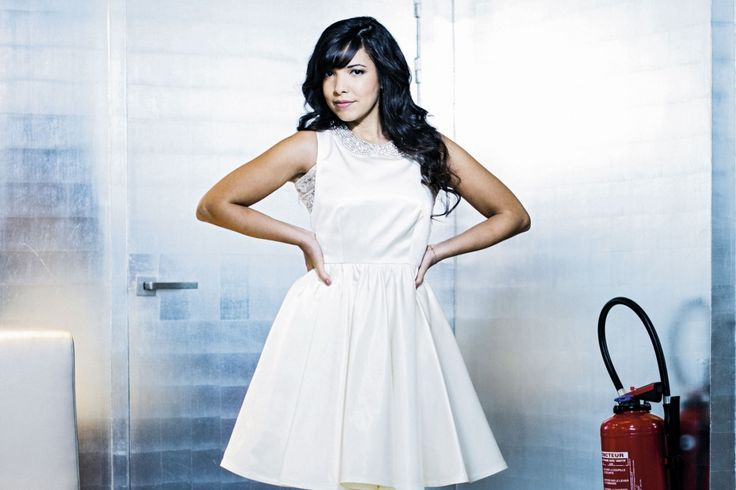 Indila the white dove