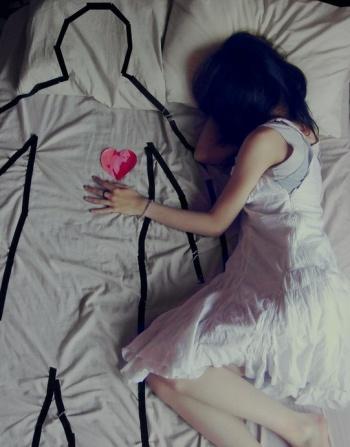 Credo che la sua ansia di vivere quell'amore fosse pari alla paura che il sogno svanisse.  (Né con te né senza di te)