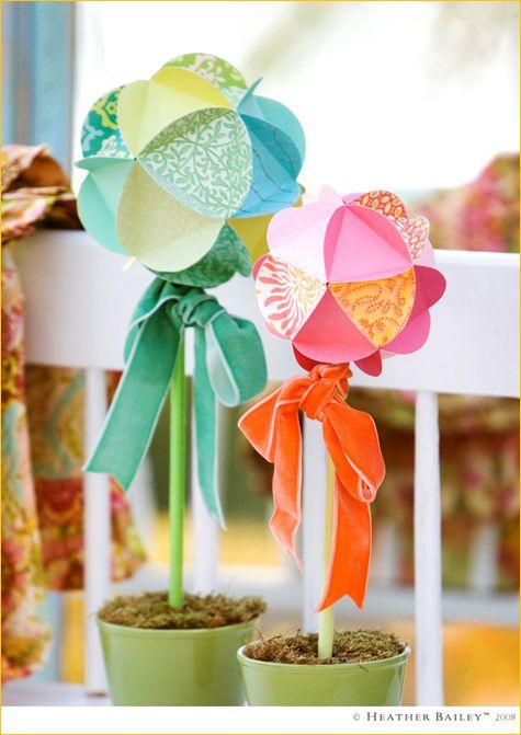 DIY Paper Globes #diy #paper #crafts #globes #flowers