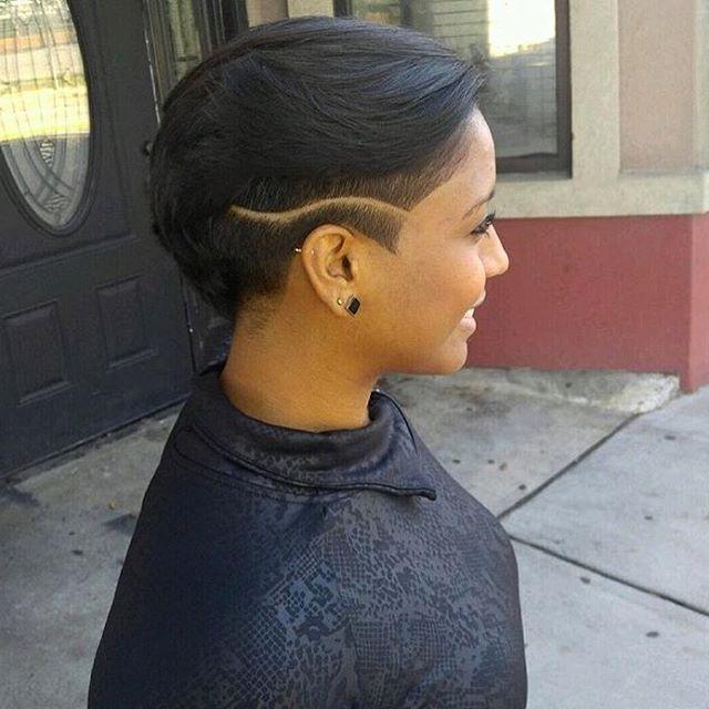Love this cut ✂️ by @wayneg_thebarber at @precisecutts❤️ #undercut #naturalhair #haircut #voiceofhair ========================== Go to VoiceOfHair.com ========================= Find hairstyles and hair tips! =========================