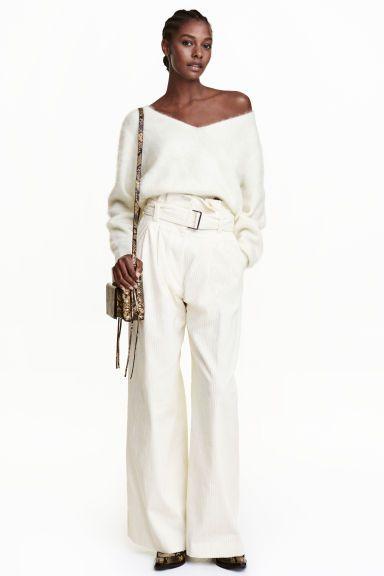 Широкие вельветовые брюки: STUDIO COLLECTION. Широкие брюки из плотного вельвета…