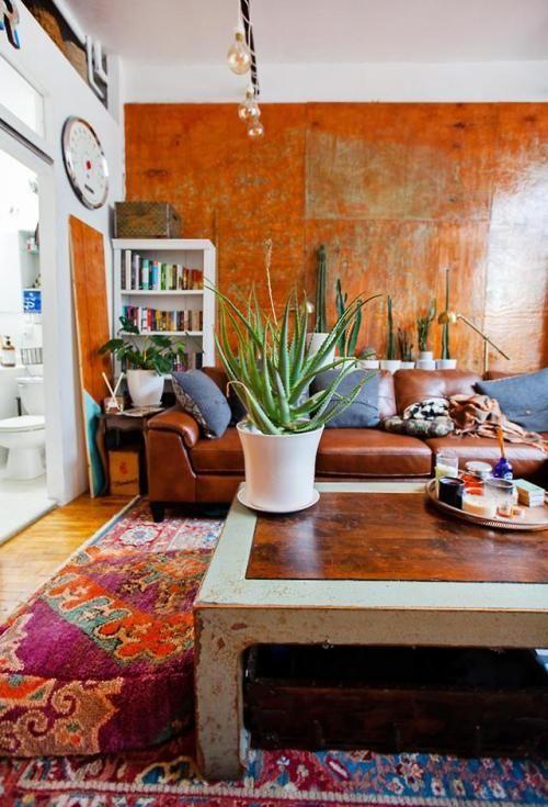 A Brooklyn loft full of secondhand finds and DIYs via reddit