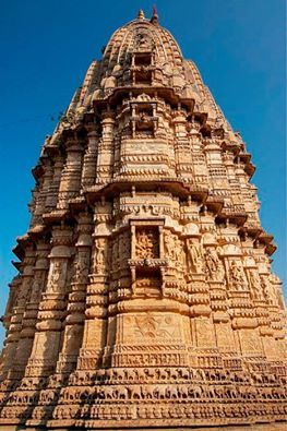 The ancient city of Bijolia and the fort are located on the Bundi Chittaurgarh Road. A high paved courtyard on the side of the town has three large temples of Lord Shiva. A carved archway leads to these temples which has a fine image of the elephant head Ganesha as guardian on the entrance. It is said that there were hundred temples in Bijolia but now only three temples are left, which are fine example of 9th century architecture.