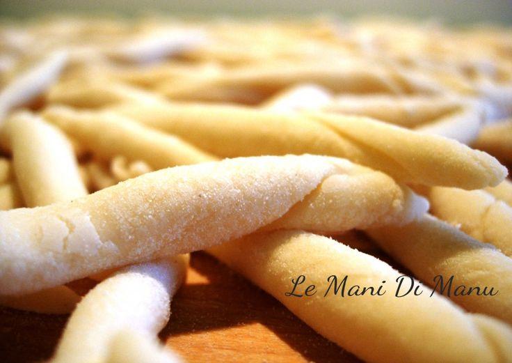 Strozzapreti | Ricetta base pasta acqua e farina | Le Mani Di Manu