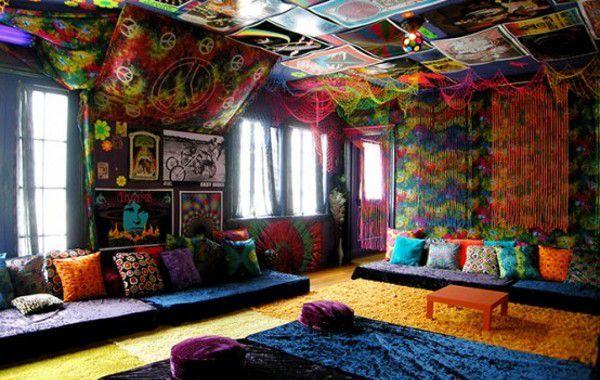 O movimento hippie não passa de moda. Muito pelo contrário, hoje em dia, podemos encontrar esse estilo divertido e original até mesmo na decoração do lar. Se você for afim a esse movimento e, além disso, gostar de música psicodélica e do estilo da d&eacut