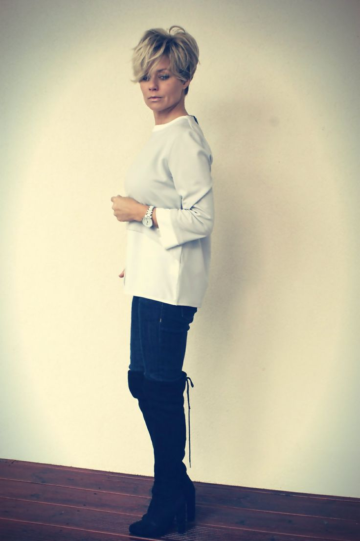 Elegant, classic blouse: https://eebelfashion.wixsite.com/eebelfashion