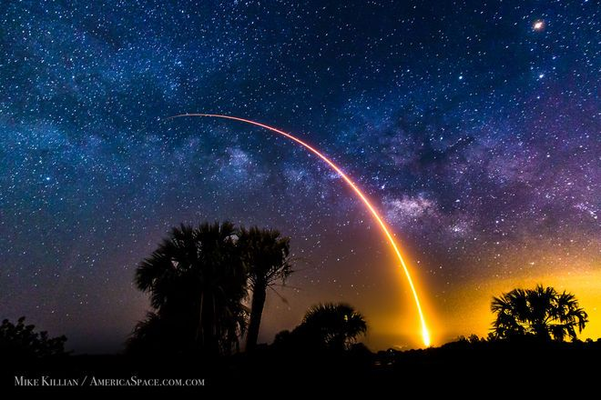 SpaceX's Falcon 9 Rocket Heads for the Stars in Stunning Photo