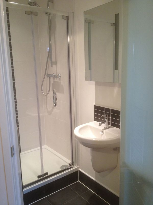 Adding an en suite shower room in 10 days with bathroom for Small shower room designs pictures