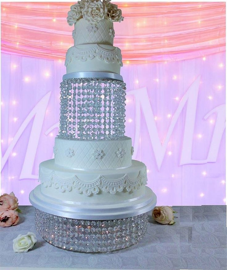 Eleana Wedding Cake With Waterfall Chandelier Stands Designed By Elaine Rhule Designer Cakes Of London