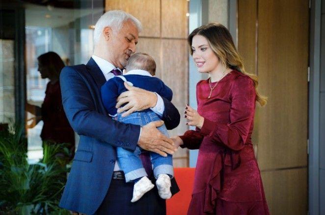 Pin By Turkish Series And Celebrities On Yasak Elma Couple Photos Photo Scenes