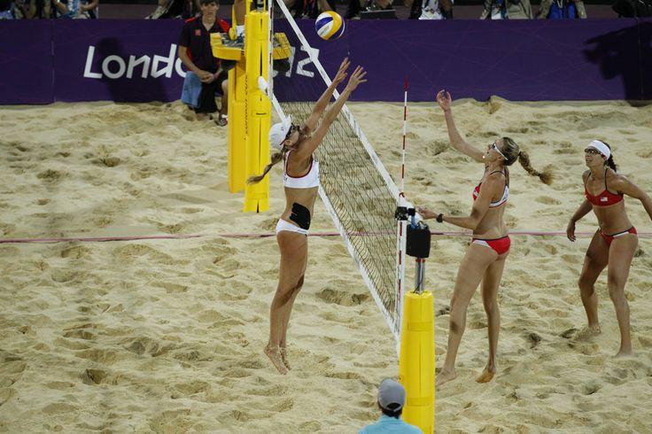 April Ross and Jennifer Kessy take the silver.