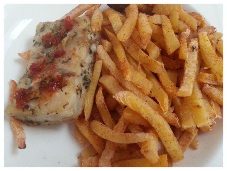 Koolhydraatarme maaltijd: koolraap frietjes met gekruide koolvis