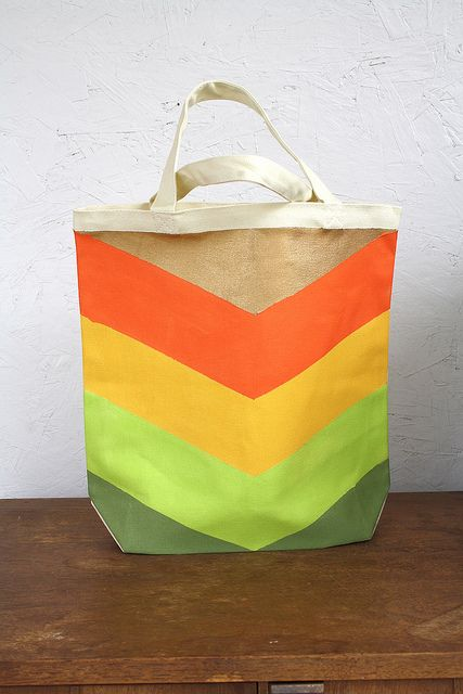 Painted Chevron Tote Bag #DIY #handmade #craft #howto #tutorial