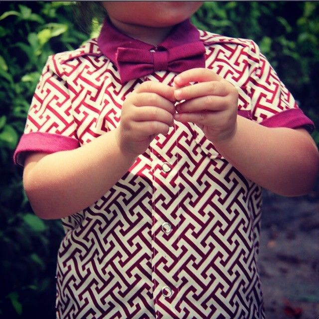 """We Found it!! The Suave outfit you have been looking for!! This is our Geo Button up paired with our Maroon Little Bro Tie.  So Fresh! #Letti #buttonups…"""