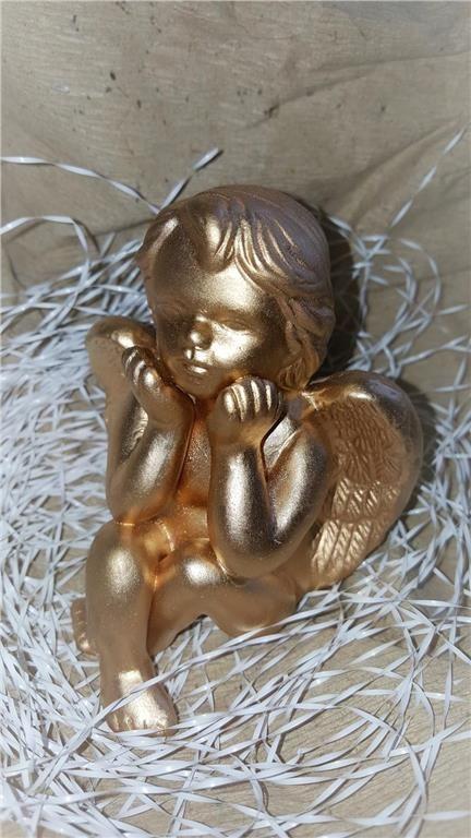Annons på Tradera: Himmelskt söt ängel. Sittande Ängel. 11 cm hög. Ny från förpackning.