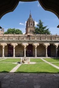 Salamanca  Patio de la Universidad  escuelas menores