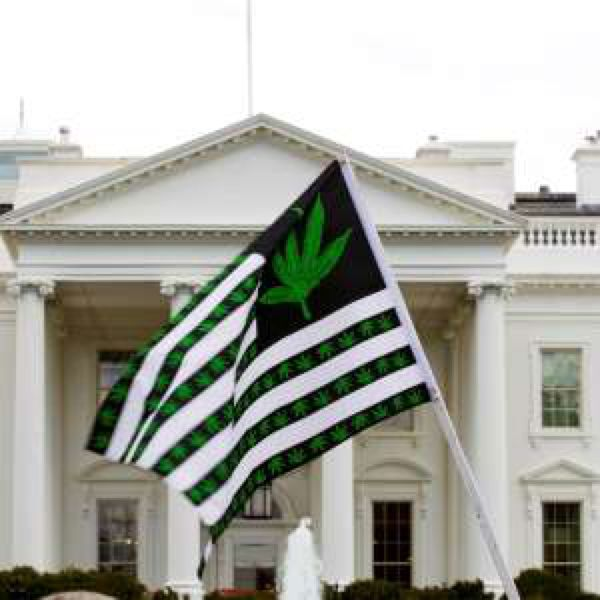 DEA to decide soon whether to stop classifying marijuana like heroin  http://a.msn.com/r/2/BBrvlVo