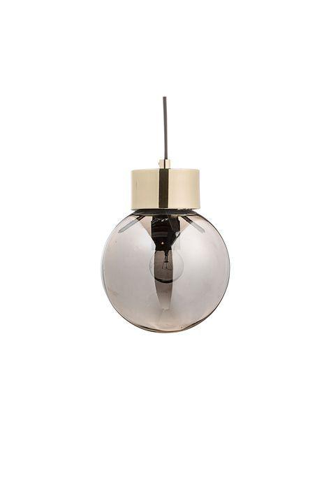 Lámpara de techo con terminación en color dorado, cristal de plata y cordón negro.