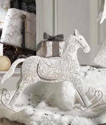 """L'Oca nera Cavallo a dondolo grande h 23 cm. collezione """"Ricami d'incanto""""."""