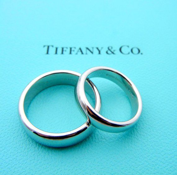 Authentic Tiffany Co Platinum Wide Bands Set Of 2 Size 5 5 And 9 Classic Wedding Classic Wedding Band Tiffany Wedding Band Mens Wedding Bands Platinum