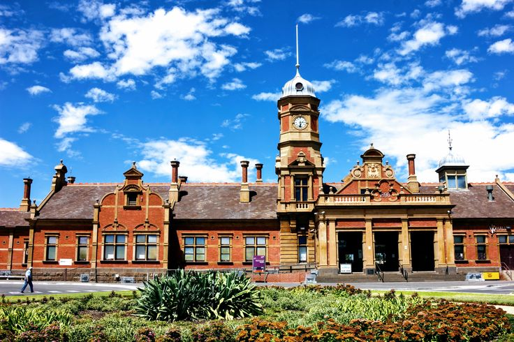 Gold was discovered at White Hill, 4 kilometres north of #Maryborough, in 1854, leading to prospectors rushing to the area. At its peak Maryborough is reported to have had a population of up to 50,000. #Goldfields #Victoria