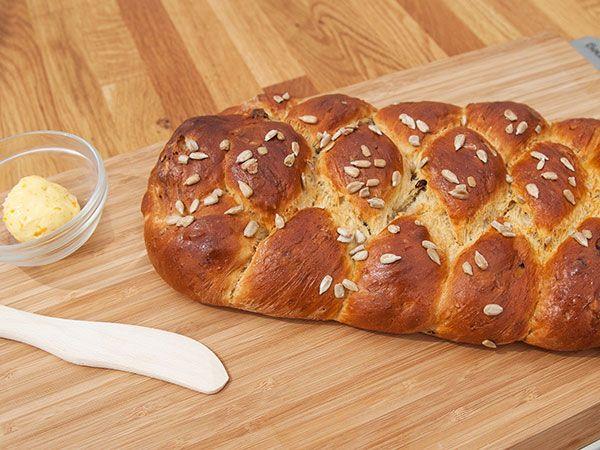 Morotsbröd med russin och solrosfrön | Recept.nu