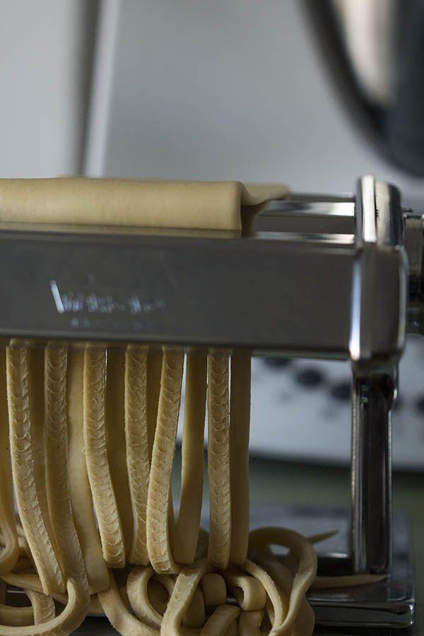 Para los amigos que quieran iniciarse en hacer su propia pasta. Aquí tenéis la receta de la pasta fresca con Thermomix!! #fb