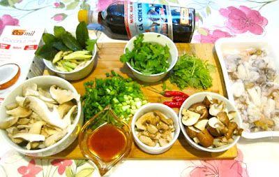 Jemy Pijemy : Tom Kha z owocami morza.Tajska zupa z mlekiem kokosowym.
